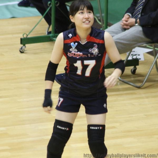 17 番 リベロ 南涼音 選手 Suzune Minami 遊学館高→金沢星稜大女短大 1996.2.26 スズ